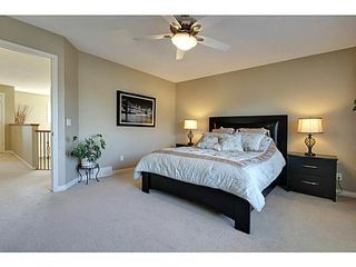 Photo 16: 276 VALLEY CREST Rise NW in Calgary: 2 Storey for sale : MLS®# C3560985