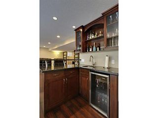 Photo 12: 276 VALLEY CREST Rise NW in Calgary: 2 Storey for sale : MLS®# C3560985