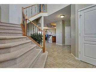 Photo 2: 276 VALLEY CREST Rise NW in Calgary: 2 Storey for sale : MLS®# C3560985
