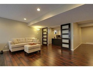Photo 9: 276 VALLEY CREST Rise NW in Calgary: 2 Storey for sale : MLS®# C3560985