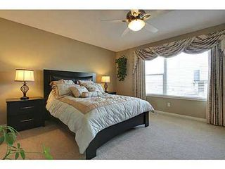 Photo 15: 276 VALLEY CREST Rise NW in Calgary: 2 Storey for sale : MLS®# C3560985