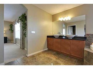 Photo 18: 276 VALLEY CREST Rise NW in Calgary: 2 Storey for sale : MLS®# C3560985