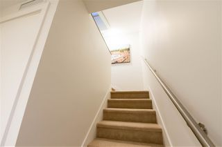 Photo 3: 714 384 E 1 Avenue in Vancouver: Mount Pleasant VE Condo for sale (Vancouver East)  : MLS®# R2112021