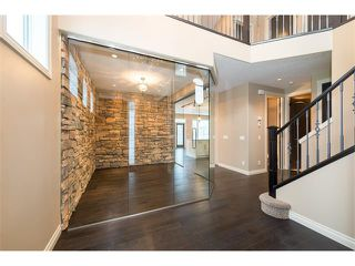 Photo 14: 22 ROCK LAKE View NW in Calgary: Rocky Ridge House for sale : MLS®# C4090662