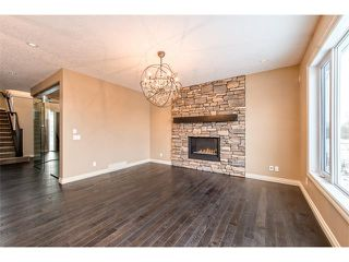 Photo 11: 22 ROCK LAKE View NW in Calgary: Rocky Ridge House for sale : MLS®# C4090662