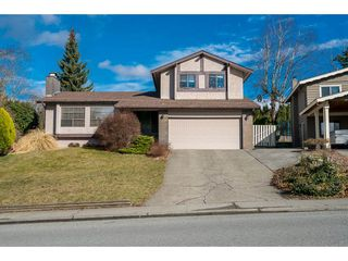 Photo 2: 2232 GUILFORD Drive in Abbotsford: Abbotsford East House for sale : MLS®# R2145802
