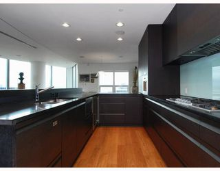Photo 6: 2801 837 West HASTINGS Street in TERMINAL CITY CLUB: Home for sale : MLS®# V810309