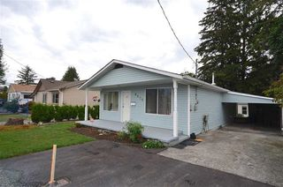 Photo 2: 8870 EDWARD Street in Chilliwack: Chilliwack W Young-Well House for sale : MLS®# R2168979