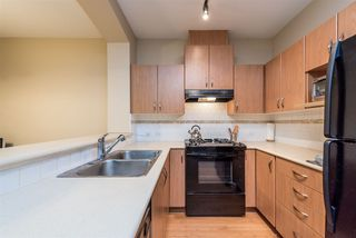 Photo 3: 105 2988 SILVER SPRINGS BOULEVARD in Coquitlam: Westwood Plateau Condo for sale : MLS®# R2165302