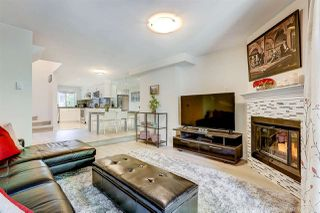 """Photo 2: 8143 LAVAL Place in Vancouver: Champlain Heights Townhouse for sale in """"Cartier Place"""" (Vancouver East)  : MLS®# R2188408"""