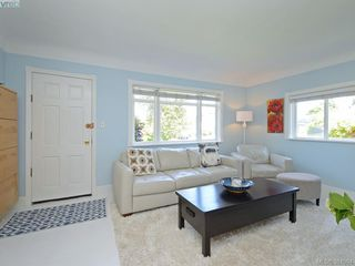 Photo 3: 87 W Maddock Ave in VICTORIA: SW Gorge Single Family Detached for sale (Saanich West)  : MLS®# 765555