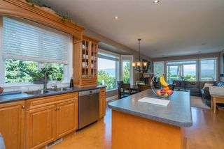 "Photo 10: 35917 STONECROFT Place in Abbotsford: Abbotsford East House for sale in ""Mountain meadows"" : MLS®# R2193012"