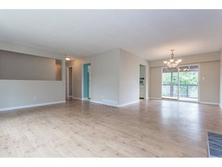 "Photo 5: 7743 SANDPIPER Drive in Mission: Mission BC House for sale in ""West Heights"" : MLS®# R2198601"
