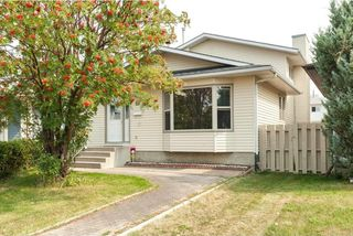 Photo 1: 18 MARTINGROVE Mews NE in Calgary: Martindale House for sale : MLS®# C4135868