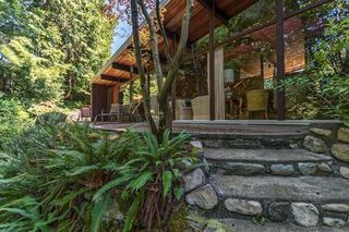 Photo 4: 1745 PALMERSTON Avenue in West Vancouver: Ambleside House for sale : MLS®# R2202036