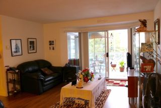"Photo 4: 313 12101 80 Avenue in Surrey: Queen Mary Park Surrey Condo for sale in ""Surrey Town Manor"" : MLS®# R2208464"
