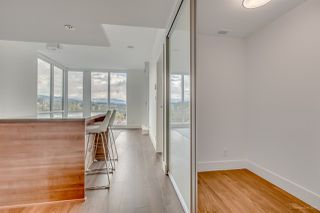 "Photo 6: 2203 1550 FERN Street in North Vancouver: Lynnmour Condo for sale in ""BEACON AT SEYLYNN VILLAGE"" : MLS®# R2214933"