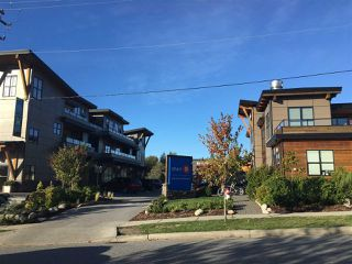 "Photo 2: 204 641 MAHAN Road in Gibsons: Gibsons & Area Condo for sale in ""BLUE HERON VILLAGE"" (Sunshine Coast)  : MLS®# R2216959"