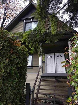 Photo 1: 2731 FRASER Street in Vancouver: Mount Pleasant VE House for sale (Vancouver East)  : MLS®# R2238051