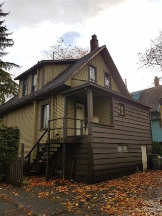 Photo 3: 2731 FRASER Street in Vancouver: Mount Pleasant VE House for sale (Vancouver East)  : MLS®# R2238051