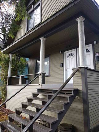 Photo 2: 2731 FRASER Street in Vancouver: Mount Pleasant VE House for sale (Vancouver East)  : MLS®# R2238051