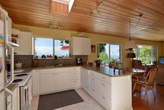 Photo 5: 5487 TRAIL ISLAND Drive in Sechelt: Sechelt District House for sale (Sunshine Coast)  : MLS®# R2245911