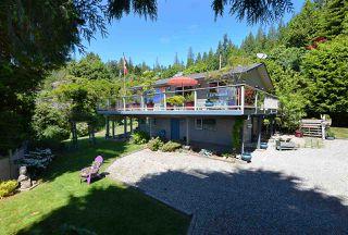 Photo 1: 5487 TRAIL ISLAND Drive in Sechelt: Sechelt District House for sale (Sunshine Coast)  : MLS®# R2245911
