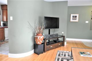 Photo 5: 15 WESTVIEW Drive SW in Calgary: Westgate House for sale : MLS®# C4173447