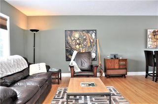 Photo 2: 15 WESTVIEW Drive SW in Calgary: Westgate House for sale : MLS®# C4173447