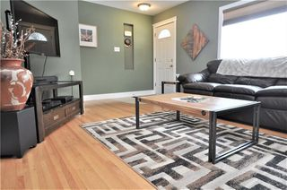 Photo 3: 15 WESTVIEW Drive SW in Calgary: Westgate House for sale : MLS®# C4173447