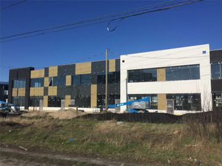 Photo 9: 407 Keele Centre Street in Vaughan: Concord Property for sale : MLS®# N4097527