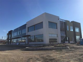 Photo 3: 407 Keele Centre Street in Vaughan: Concord Property for sale : MLS®# N4097527
