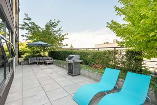 Photo 15: 301 306 SIXTH Street in New Westminster: Uptown NW Condo for sale : MLS®# R2290004