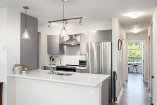Photo 6: 301 306 SIXTH Street in New Westminster: Uptown NW Condo for sale : MLS®# R2290004