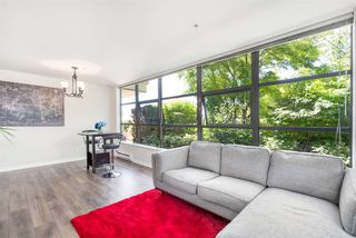 Photo 4: 301 306 SIXTH Street in New Westminster: Uptown NW Condo for sale : MLS®# R2290004