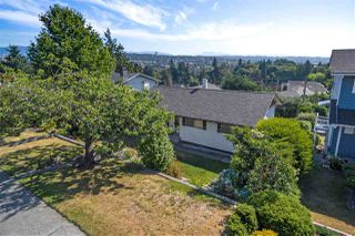 Photo 1: 536 GARFIELD Street in New Westminster: The Heights NW House for sale : MLS®# R2293564