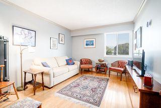 Photo 2: 302 2255 YORK Avenue in Vancouver: Kitsilano Condo for sale (Vancouver West)  : MLS®# R2305184