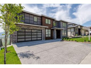 """Main Photo: 36410 EPWORTH Court in Abbotsford: Abbotsford East House for sale in """"Falconridge"""" : MLS®# R2309308"""