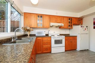 Photo 10: 7 50 Montreal Street in VICTORIA: Vi James Bay Townhouse for sale (Victoria)  : MLS®# 402267
