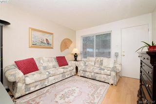 Photo 2: 7 50 Montreal Street in VICTORIA: Vi James Bay Townhouse for sale (Victoria)  : MLS®# 402267