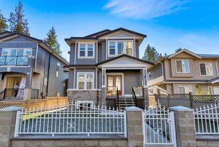 Main Photo: 2570 LINCOLN Avenue in Port Coquitlam: Woodland Acres PQ House for sale : MLS®# R2327654