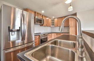 """Photo 3: 31 2035 MARTENS Street in Abbotsford: Poplar Manufactured Home for sale in """"Maplewood Estates"""" : MLS®# R2344599"""