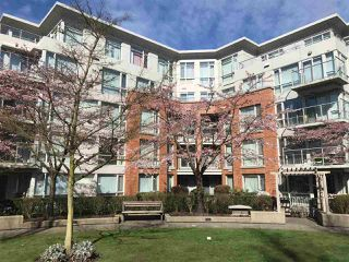Photo 3: 209 638 W 45TH Avenue in Vancouver: Oakridge VW Condo for sale (Vancouver West)  : MLS®# R2353062
