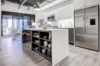 Photo 1: 206 327 9A Street NW in Calgary: Sunnyside Apartment for sale : MLS®# C4237122