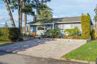 Photo 5: 704 Brookridge Place in VICTORIA: SW Northridge Single Family Detached for sale (Saanich West)  : MLS®# 408356