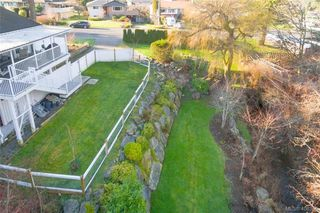 Photo 38: 704 Brookridge Pl in VICTORIA: SW Northridge House for sale (Saanich West)  : MLS®# 811584