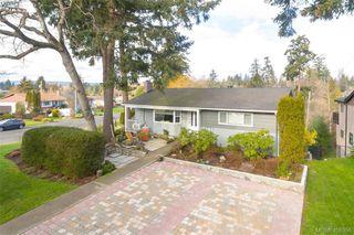 Photo 3: 704 Brookridge Place in VICTORIA: SW Northridge Single Family Detached for sale (Saanich West)  : MLS®# 408356