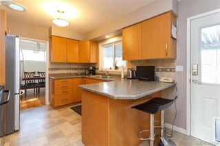 Photo 12: 704 Brookridge Pl in VICTORIA: SW Northridge House for sale (Saanich West)  : MLS®# 811584