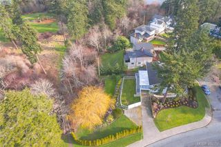Photo 4: 704 Brookridge Pl in VICTORIA: SW Northridge House for sale (Saanich West)  : MLS®# 811584