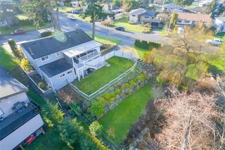 Photo 33: 704 Brookridge Pl in VICTORIA: SW Northridge House for sale (Saanich West)  : MLS®# 811584